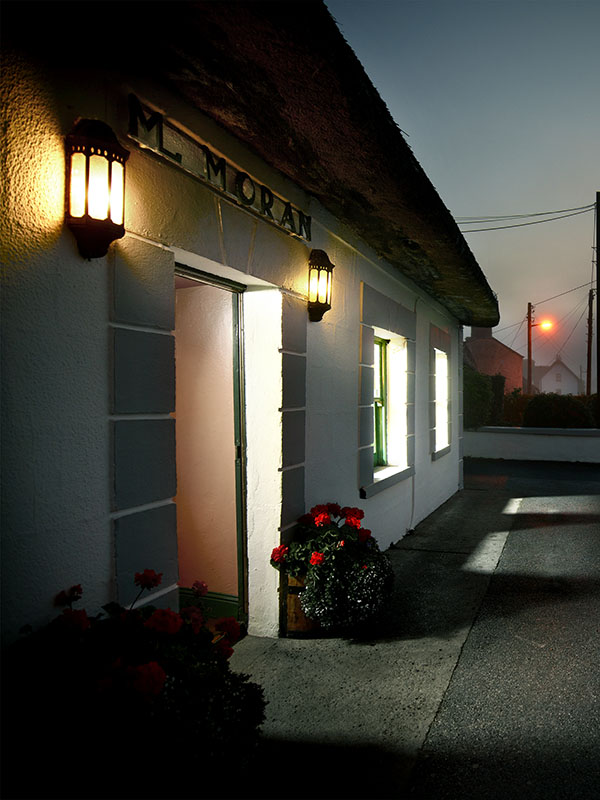 Moran's Oyster Cottage - Night time at Moran's